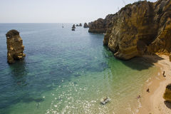 Dona Ana-Strand bei Lagos - Algarve (Portugal). Stockfotos