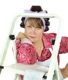 Dona de casa com escada fotografia de stock royalty free