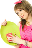 Dona de casa nova que lava os pratos fotos de stock royalty free