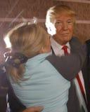 Donald atut prowadzi kampanię przy Nevada kliki lokalem wyborczym, Palos Verde Wysoka szkoła, NV Zdjęcie Royalty Free