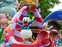 Donald Duck auf einem Floss Stockbild