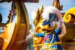 Donald Duck en el editorial de Disneyland París foto de archivo