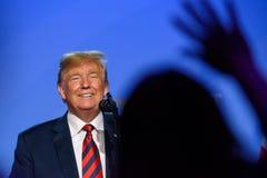 Donald Przebija podczas konferenci prasowej przy NATO-WSKIM szczytem 2018, prezydent Stany Zjednoczone Ameryka, obrazy royalty free
