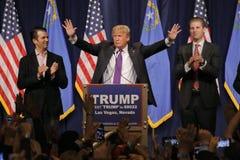 Donald Przebija zwycięstwo mowę podąża dużą wygranę w Nevada klice, Las Vegas, NV Zdjęcie Stock