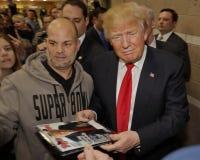 Donald Trump-campagnes bij Nevada Caucus-opiniepeilingspost, Palos Verde Highschool, NV Royalty-vrije Stock Afbeeldingen