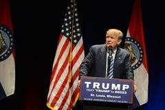 Donald Trump Campaigns i St Louis Fotografering för Bildbyråer