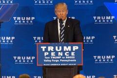 Donald Trump en la fragua del valle Imagen de archivo libre de regalías