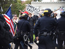 Donald Trump Free Speech Brawl i Berkeley California Royaltyfri Fotografi