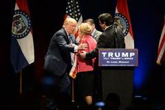 Donald Trump Greets Phyllis Schlafly Royaltyfri Fotografi