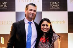 Donald Trump Jr-vergadering met mensen stock fotografie