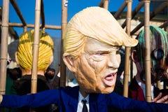 Donald Trump maskering på karnevalet av viareggioen arkivbilder