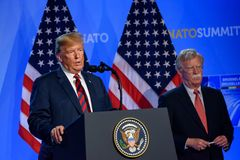 Donald Trump, Präsident von den Vereinigten Staaten von Amerika, während der Pressekonferenz an NATO-GIPFEL 2018 lizenzfreies stockbild