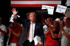 Donald Trump spreekt bij campagneverzameling op 25 Juli, 2015, in Oskaloosa, Iowa Royalty-vrije Stock Foto