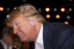 Donald Trump, wordt u in brand gestoken! Stock Afbeeldingen
