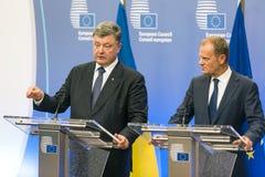 Donald Tusk och Petro Poroshenko Arkivbilder