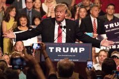 Donalds Trump samlar första presidentkampanj i Phoenix Arkivbild