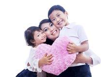 Donante del abrazo de la mamá fotografía de archivo libre de regalías