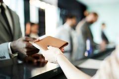Donante detrás del pasaporte fotos de archivo