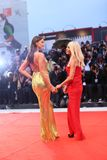 Donatella Versace und Irina Shayk lizenzfreie stockfotos