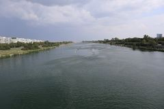 Donau-Insel-Stationsaussicht lizenzfreie stockfotografie