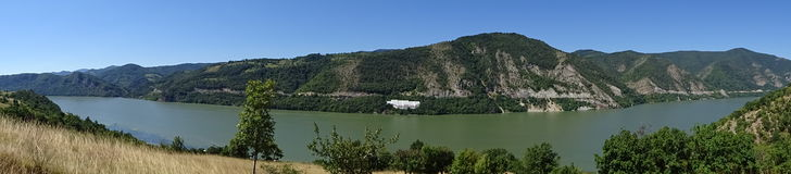 Donau - Panoramablick Lizenzfreie Stockbilder
