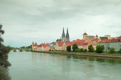 Donau in Regensburg lizenzfreies stockfoto