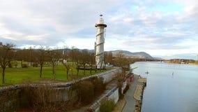Donau-Vuurtoren op riverbank van de rivier van Donau, Wenen, Oostenrijk Royalty-vrije Stock Afbeeldingen