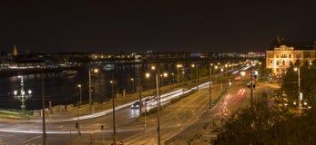 Donauen och trafiken Arkivbilder