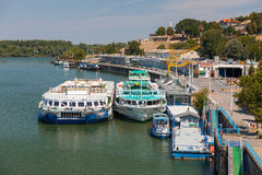 Donauskeppsdocka Royaltyfria Bilder