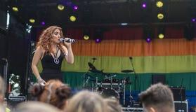 Doncaster dumy 19 Aug 2017 LGBT festiwal, Donna Ramsdale, Jess zdjęcie royalty free