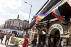 Doncaster dumy 19 Aug 2017 LGBT festiwal, tęczy chorągwiana chorągiewka obrazy stock