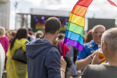 Doncaster dumy 19 Aug 2017 LGBT festiwal, tęczy flaga, koncert fotografia royalty free