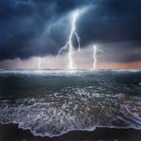 Donder op de oceaan Royalty-vrije Stock Afbeeldingen