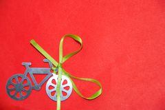Done una bicicleta Fotografía de archivo