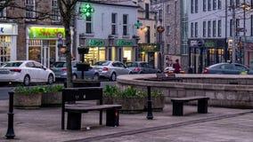 Donegal, Irlanda - 28 de febrero de 2019: La ciudad de Donegal es el pueblo principal del condado Donegal almacen de metraje de vídeo