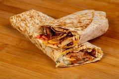 Doner kebab med kött royaltyfria bilder