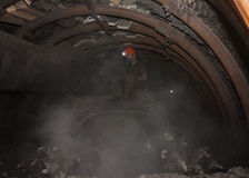 Donetsk Ukraina - mars, 14, 2014: Chauffören av kolgruvarbetaren Arkivbilder