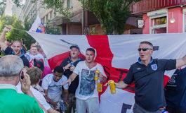 Donetsk, Ukraine - June, 11, 2012: British sports fans sing hymn Royalty Free Stock Image