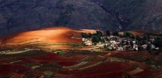 Dongchuan, terra do vermelho de Yunnan Foto de Stock