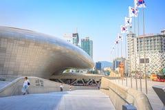 Dongdaemun都市风景2017年6月18日的 它是商务和 图库摄影