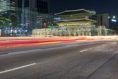 Dongdaemun dans le paysage urbain de nuit en Corée Images stock