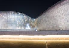 Dongdaemun designPlaza på N Royaltyfria Foton
