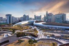 Dongdaemun designPlaza som är ny Fotografering för Bildbyråer