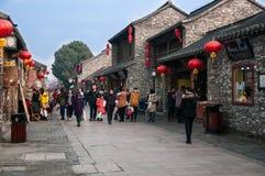 Dongguan gata i gammal stad för Yangzhou ` s Jiangsu landskap, Kina Arkivfoton