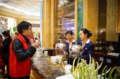 Dongguan Kina: Stång Arkivfoton