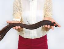 Doni i capelli al malato di cancro Fotografie Stock Libere da Diritti