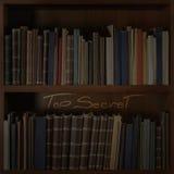 Donker bibliotheekboekenrek met 'Bovenkant - het geheim' vormde lichtstraal op het Royalty-vrije Stock Foto