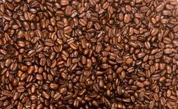 Donker Bruin Geroosterd van het de Bonenvoedsel van Koffiezaden de Drankingrediënt Stock Foto