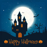 Donker huis op blauwe volle maan Gelukkig Halloween Royalty-vrije Stock Fotografie