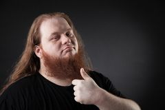 Donker portret van een respectabele mens in de studio stock foto's